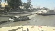 انفجار بمب در اثر عبور تانک از روی خودرو