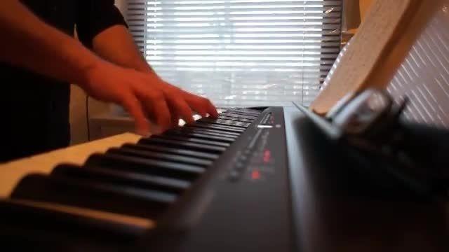 اجرای آهنگ بریتنی با پیانو (10)