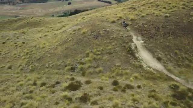 دوچرخه سواری فوق العاده دیدنی در کوهستان ஐ