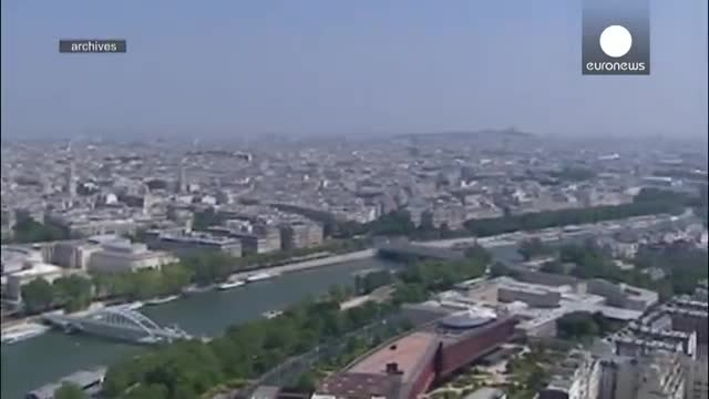 پرواز پهپادهای ناشناس بر فراز پاریس-حتما ببینید