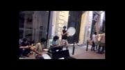 رقص و دف نوازی شاد در استانبول خیابان استقلال