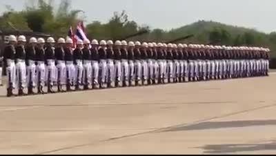 رژه سربازی خارجی ها کاش ما همچین سربازی داشتیم