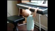 پیانو  برای همه -  نوزاد 11ماهه