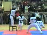 حاج خانوم کاراته باز!!