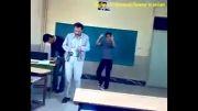 رقصیدن تو کلاس پشت سر معلم.....