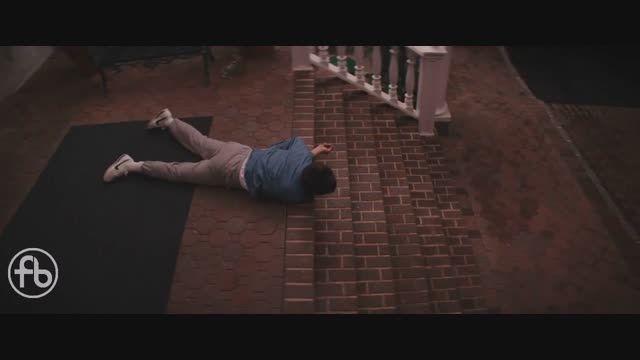 لئوناردو دیکاپریو در سکانسی از فیلم گرگ وال استریت