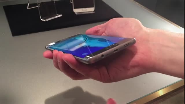 تماشا کنید سامسونگ  Galaxy S6 Edge plus