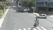 دوچرخه سوار و تصادف شدید