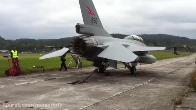 تست پس سوز جنگنده اف-16 (F-16)