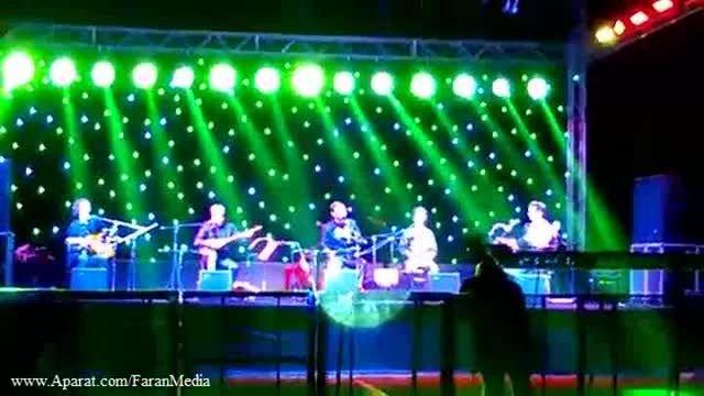 سامی یوسف- اجرای آهنگ ساری گلین کنسرت کوچالی ترکیه 2015