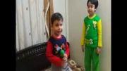 آهنگ مرگ بر آمریكا توسط حامد زمانی 3 ساله (علیرضا)