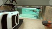 شلیک با دو اسلحه کمری متفاوت زیر آب و فیلمبرداری آهسته