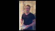 مت دیمن با آب توالت چالش سطل آب یخ را تجربه کرد!