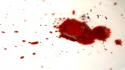 فوتیج پاشیدن جوهر و خون به صورت قطره ایی
