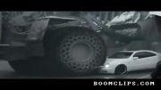 پرس کردن خودروی بنز توسط لودر غول پیکر.......