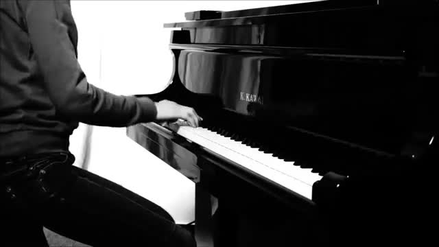 Bestiwall.com-آهنگ فوق العاده پلنگ صورتی به روایت پیانو