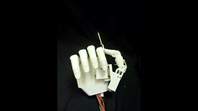 ساخت دست رباتیک با پرینتر سه بعدی