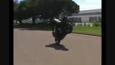 حرکات نمایشی با موتور سنگین