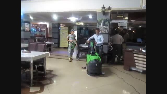 اسکرابر برقی نظافت هتل و رستوران- فلامک ماشین 88535444