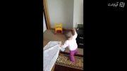 رقص کودک نه ماهه بسیار جالب و دیدنی و خنده دار