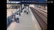 اقدام ب موقع مامور مترو در مقابل خودکشی یکی از مسافران