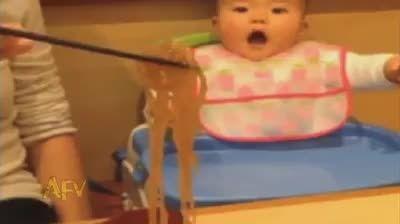 آخه چرا بچه رو اذیت می کنید ...?