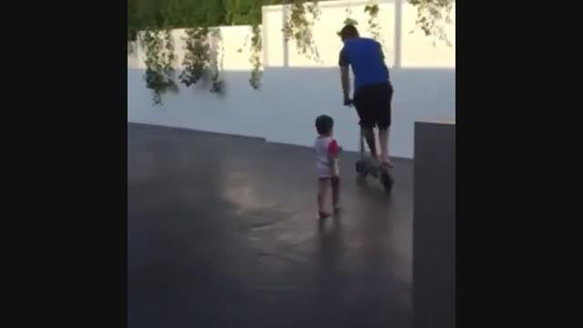 وقتی که ستارۀ بارسلونا مسی؛همبازی پسرش می شود