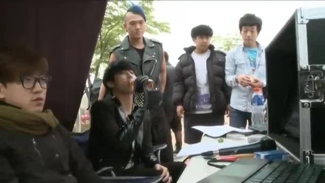 پشت صحنه ساخت موزیک ویدیوی کریینگ یونگ سنگ