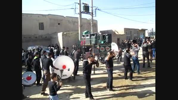 دسته سینه زنی خوراون در حال خارج شدن از مسجد(محرم 94)