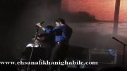 اجرای آهنگ سازش ( تیتراژ ماه عسل 92 )  در کنسرت مهدی یراحی