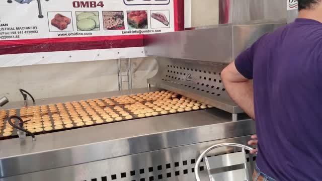 دستگاه تولید شیرینی در نمایشگاه شیرینی و شکلات تهران