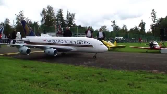 پرواز جذاب هواپیمای کنترلی A-380 - دنیای مستند پرواز ✈