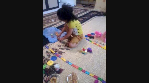 هانا/کودک 5 ساله ی دوزبانه
