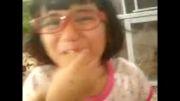 لیمو خوردن بچه ی عینکی