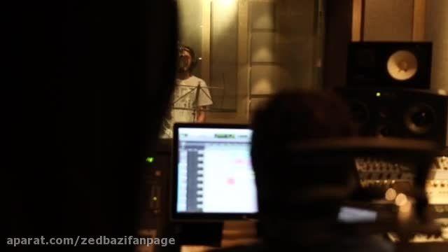 پشت صحنه آهنگ دیره یه ذره در استودیو جی جی