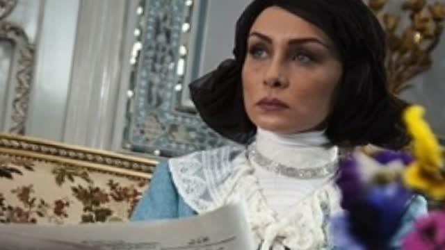تصاویری از همسران شاه در سریال معمای شاه