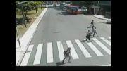 تصادف بسیار شدید با دوچرخه سوار!!