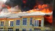 نجات کارگر گرفتار در شعله های آتش