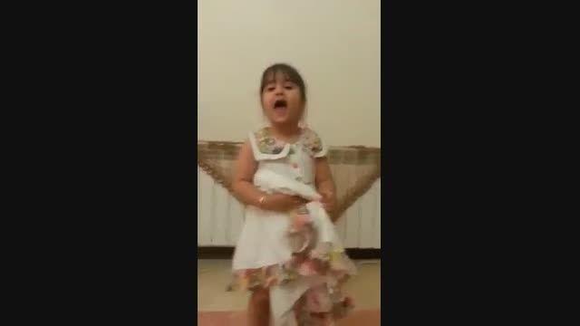 شعر خوندن این دختر کوچولوی ناز