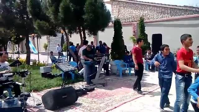 اجرای آهنگ زیبای جمیله با صدای امین راهدار