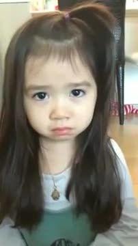 گریه اختیاری یه دختر ناز