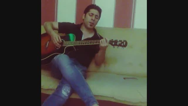اجرای زنده مجید یحیایی با گیتار اهنگ بی خوابی