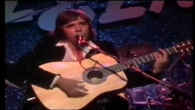 اجرای زنده ی آهنگ زیبای Rain از Jose Feliciano