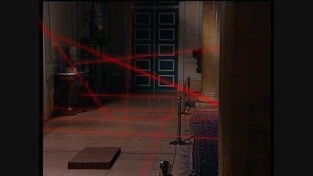 کلیپ سرقت از موزه کاخ سعدآباد از سریال طنز گنج مظفر
