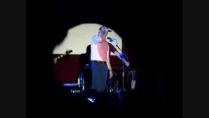 اجرای آهنگ برف بابک جهانبخش در کنسرت بوشهر