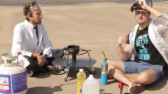 اسلومشن ریختن آب روی روغن داغ خیلی زیباست
