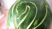 آموزش کنده کاری و تزئین  هندوانه به شکل قو!!