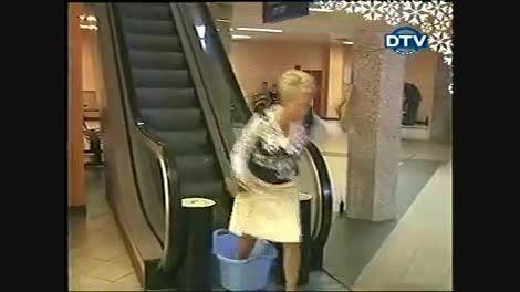 دوربین مخفی پله برقی