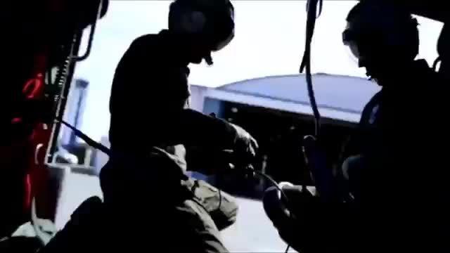شناگران امداد گارد ساحلی و نیروی دریایی آمریکا
