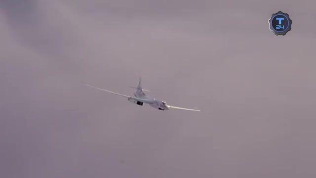 پرواز هواپیمای بمب افکن دور پرواز روسیه TU-160